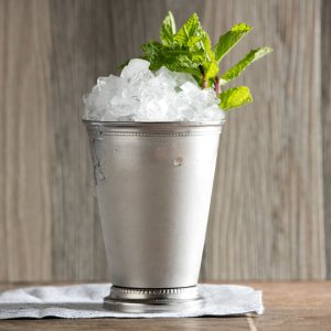 mint-julep-720x720-recipe-Molly